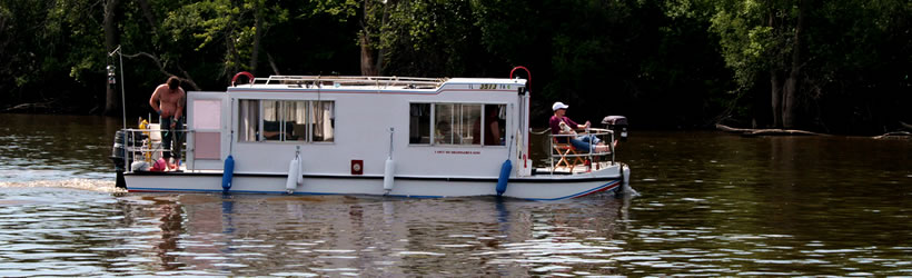 Houseboating the Illinois River