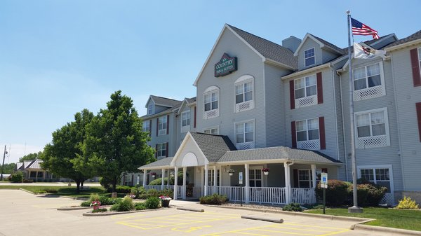 Country Inn & Suites - Bloomington Normal West
