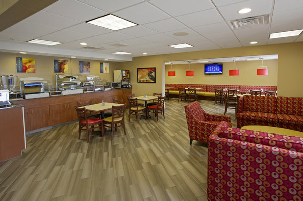Holiday Inn Express - East Peoria